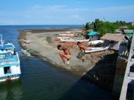 Asisbiz Kids diving of Naujan Estrella bridge Oriental Mindoro Philippines Feb 2006 21