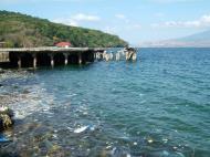 Asisbiz Corregidor evidence of illegal dumping of rubbish Manila Harbor 2005 02