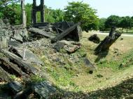 Asisbiz Philippines Corregidor Island Topside Barracks ruins Jan 2005 02