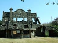 Asisbiz Philippines Corregidor Island barrack and hospital ruins Jan 2005 07