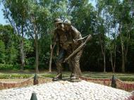Asisbiz Philippines Manila Corregidor Island bronze statues Jan 2005 01