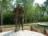 Asisbiz Philippines Manila Corregidor Island bronze statues Jan 2005 03