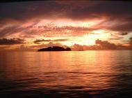 Asisbiz Sunsets are something to marvel Dimaka Island Coron Palawan Philippines Nov 2004 01