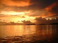 Asisbiz Sunsets are something to marvel Dimaka Island Coron Palawan Philippines Nov 2004 02
