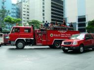 Asisbiz Manila Skyline Makati Fire Truck Makatis finest 01