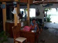 Asisbiz Cebu Moalboal dive shop Dec 2005 01