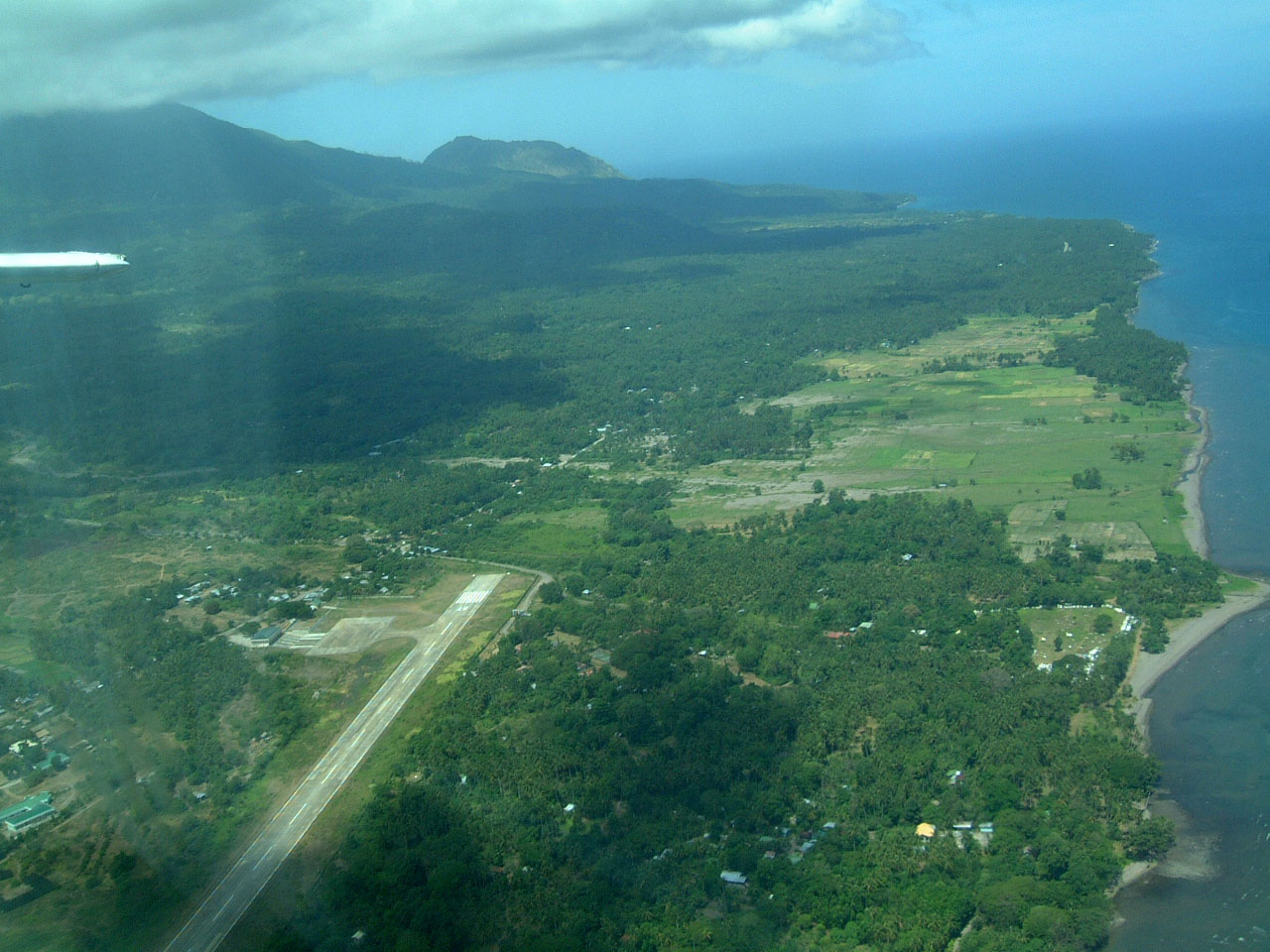 Camiguin Philippines  city pictures gallery : Philippine Airports Camiguin Camiguin Island 200303 02
