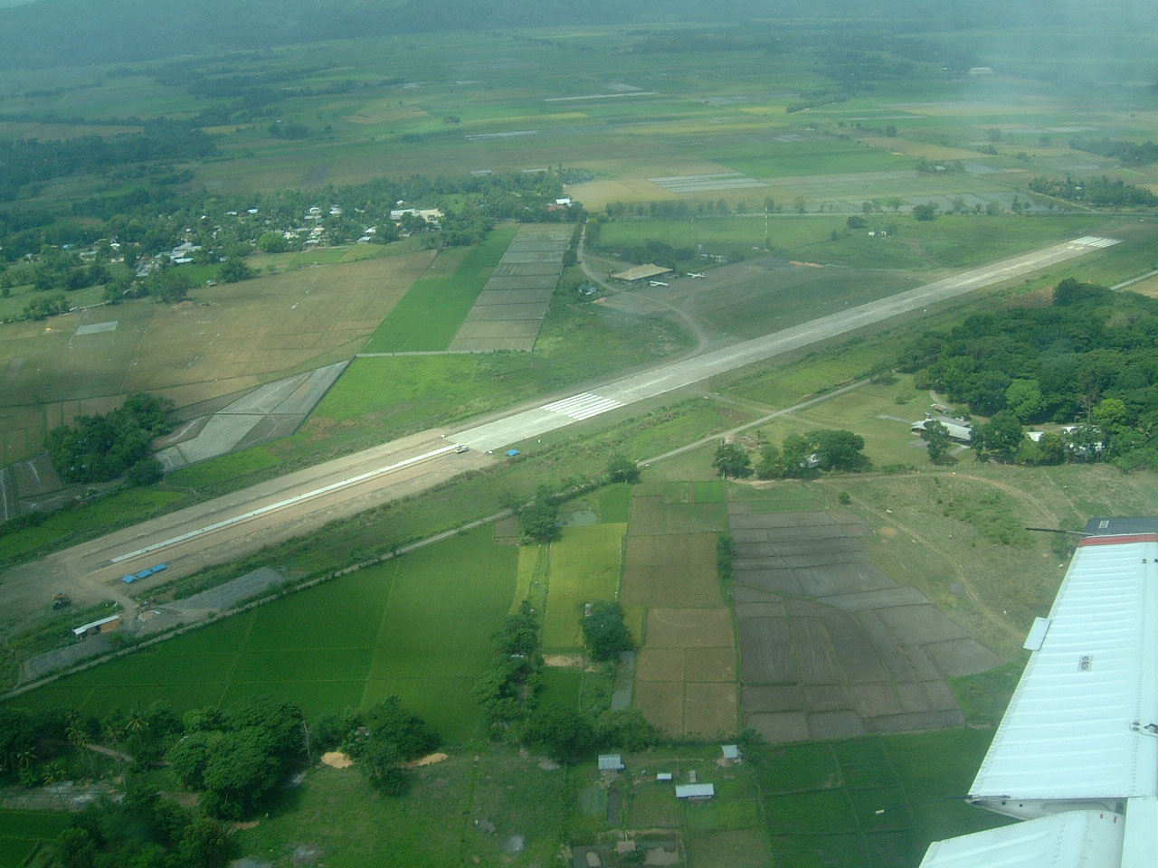 Bagabag Philippines  city pictures gallery : Philippine Airports Luzon Bagabag Airport 200303 01