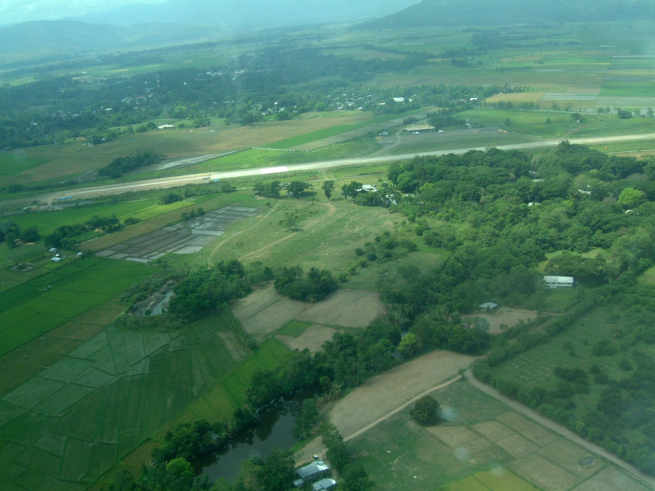Bagabag Philippines  City pictures : Philippine Airports Luzon Bagabag Airport 200303 02