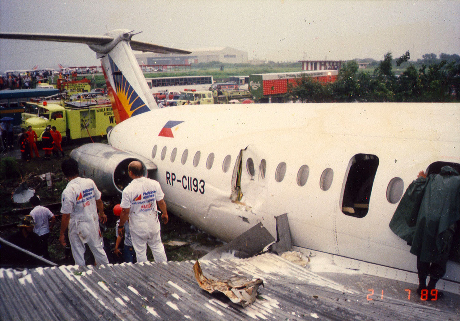 Philippine Airlines Accident RP C1193 BAC 111 516FP 21 JUL 1989 05