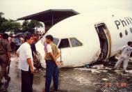 Asisbiz Philippine Airlines Accident RP C1193 BAC 111 516FP 21 JUL 1989 02