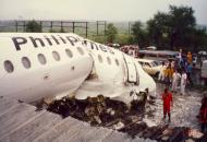 Asisbiz Philippine Airlines Accident RP C1193 BAC 111 516FP 21 JUL 1989 04
