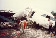 Asisbiz Philippine Airlines Accident RP C1193 BAC 111 516FP 21 JUL 1989 06