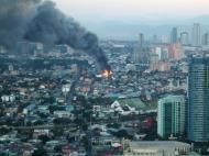 Asisbiz Philippines Roxas Triangle Makati Rockwell warehouse fire Dec 26 2004 05