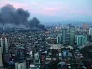 Asisbiz Philippines Roxas Triangle Makati Rockwell warehouse fire Dec 26 2004 08