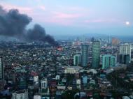 Asisbiz Philippines Roxas Triangle Makati Rockwell warehouse fire Dec 26 2004 09