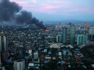 Asisbiz Philippines Roxas Triangle Makati Rockwell warehouse fire Dec 26 2004 10
