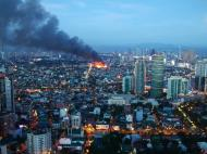 Asisbiz Philippines Roxas Triangle Makati Rockwell warehouse fire Dec 26 2004 11