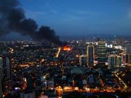 Asisbiz Philippines Roxas Triangle Makati Rockwell warehouse fire Dec 26 2004 13