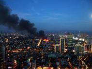 Asisbiz Philippines Roxas Triangle Makati Rockwell warehouse fire Dec 26 2004 14