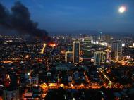 Asisbiz Philippines Roxas Triangle Makati Rockwell warehouse fire Dec 26 2004 15