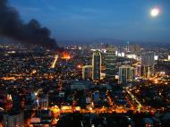 Asisbiz Philippines Roxas Triangle Makati Rockwell warehouse fire Dec 26 2004 17