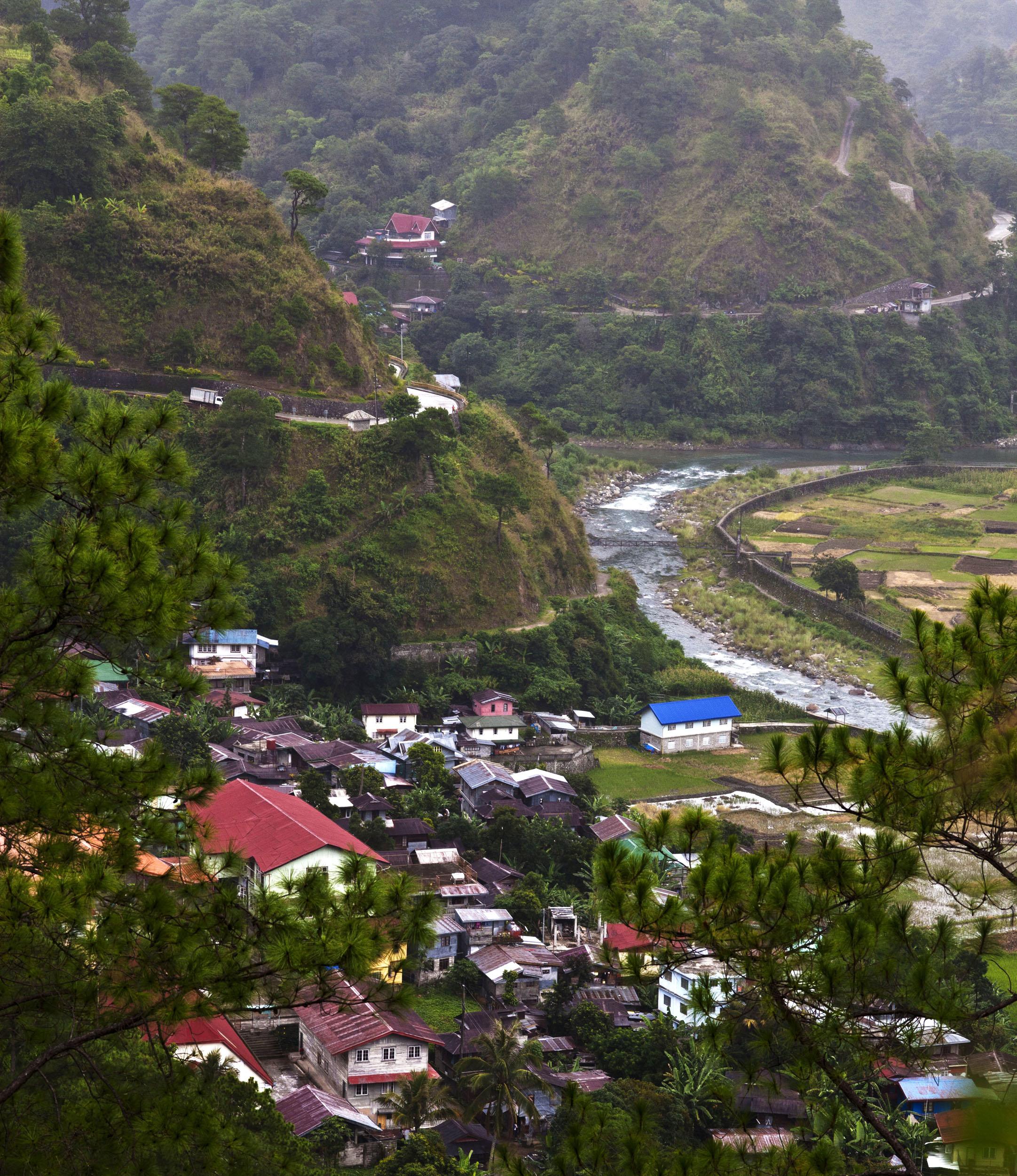 Local towns and villages along the Kabayan Rd Halsema Highway from Baguio to Sagada Aug 2011 03