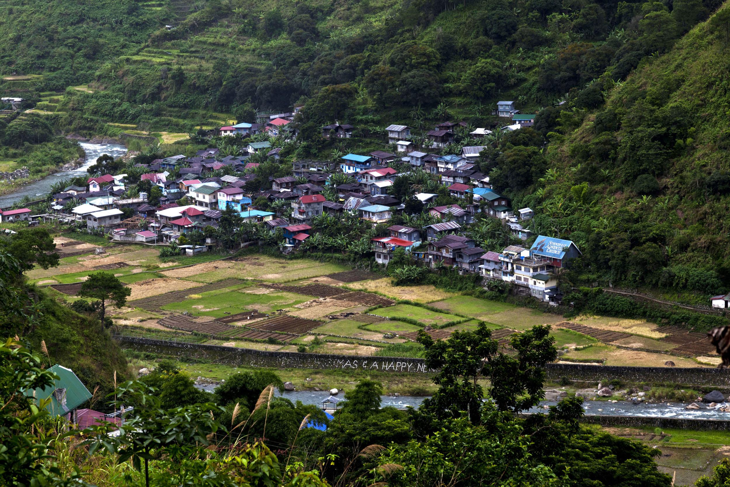 Local towns and villages along the Kabayan Rd Halsema Highway from Baguio to Sagada Aug 2011 05