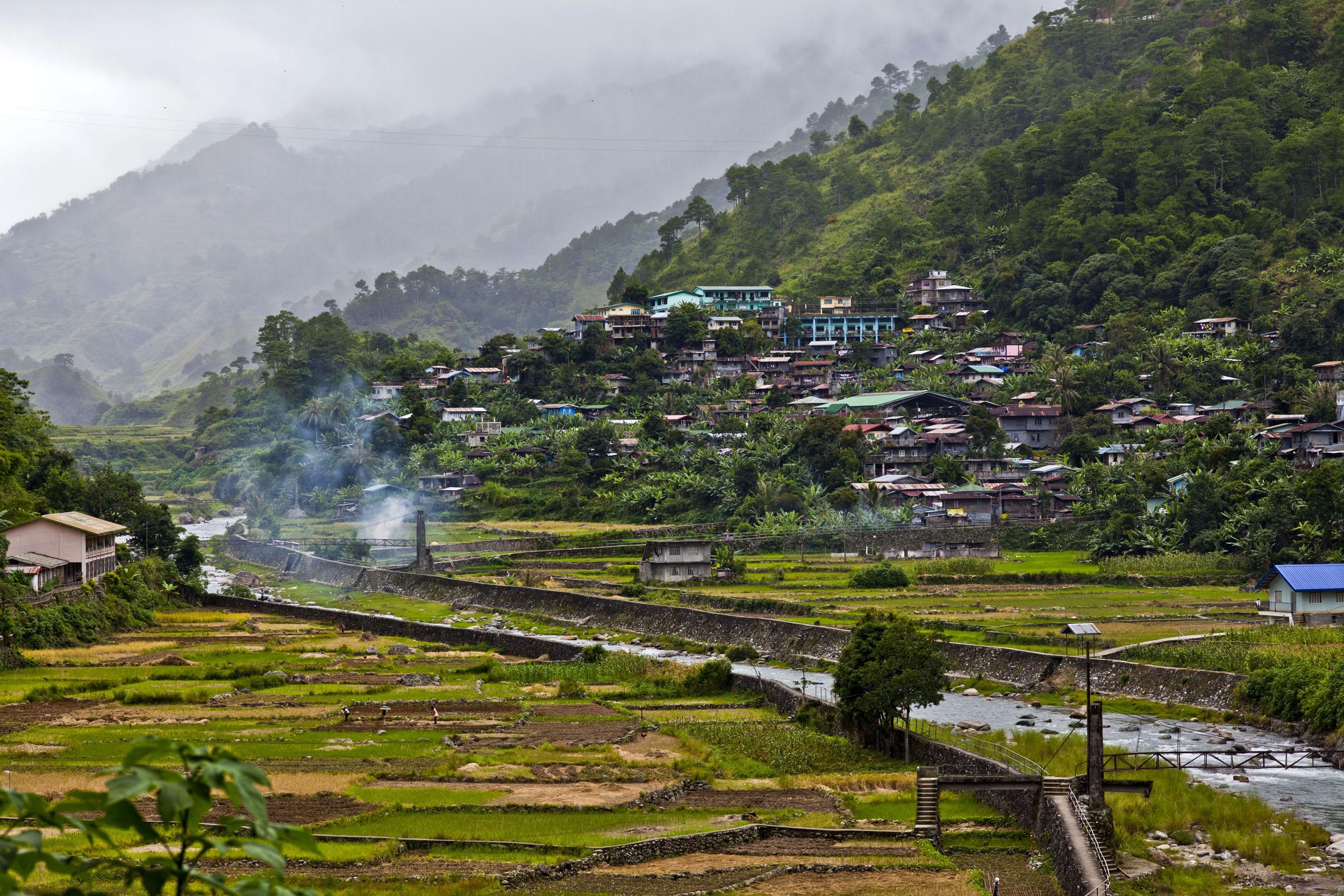 Local towns and villages along the Kabayan Rd Halsema Highway from Baguio to Sagada Aug 2011 11