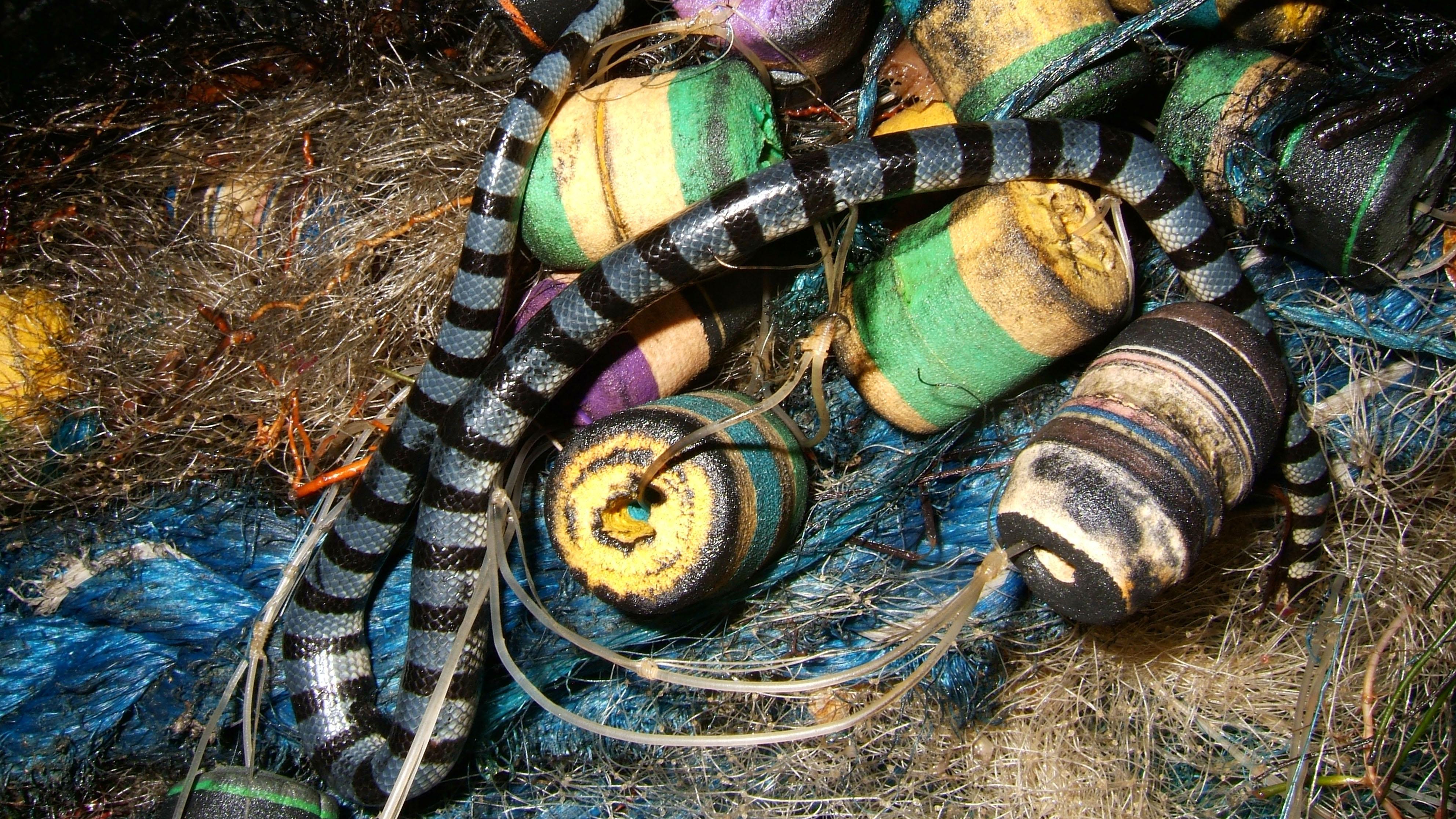 Textures Fishermans nets ocean polution 03