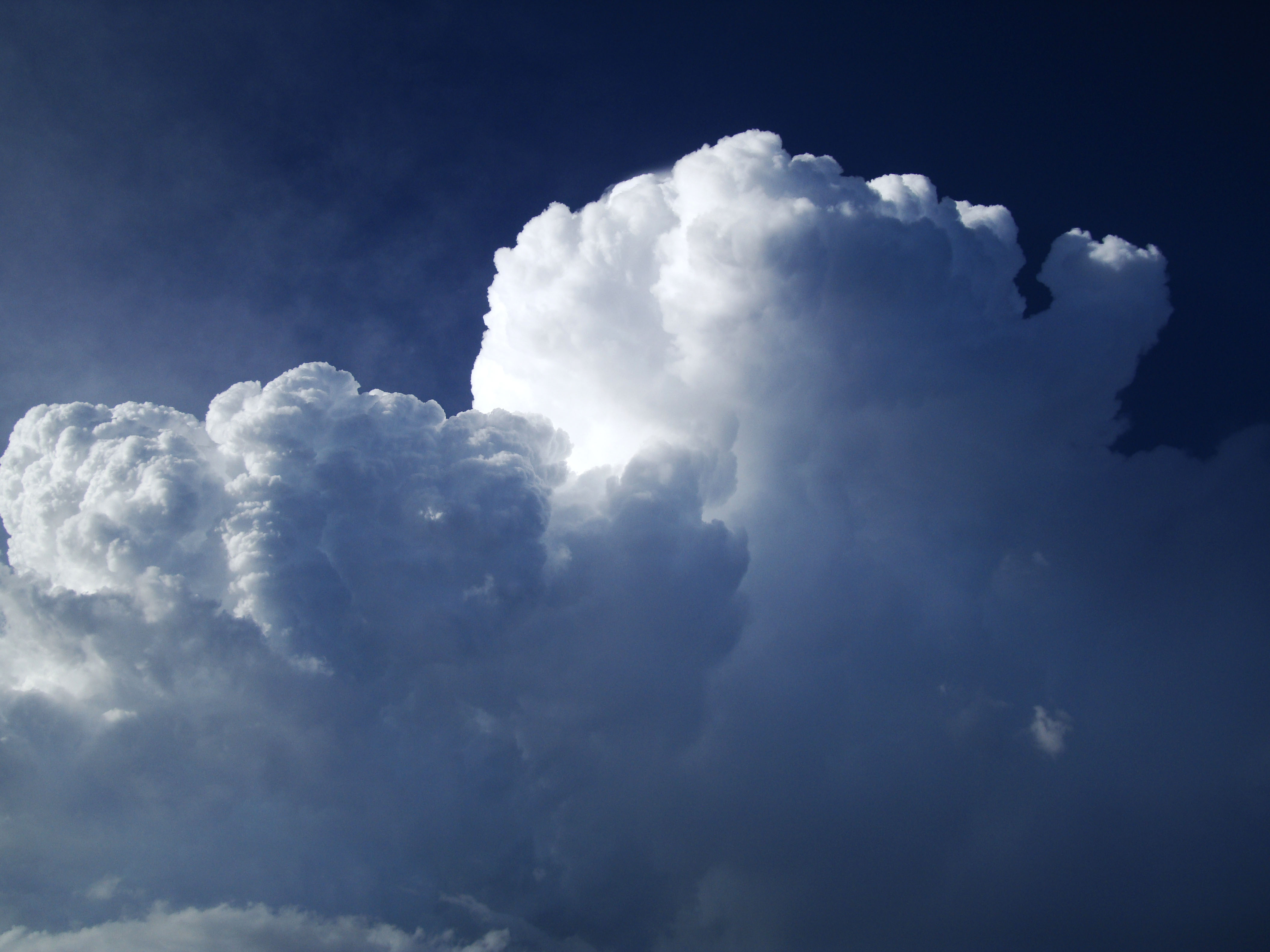 Cumulonimbus Clouds Formations Sky Storms Weather Phenomena 01