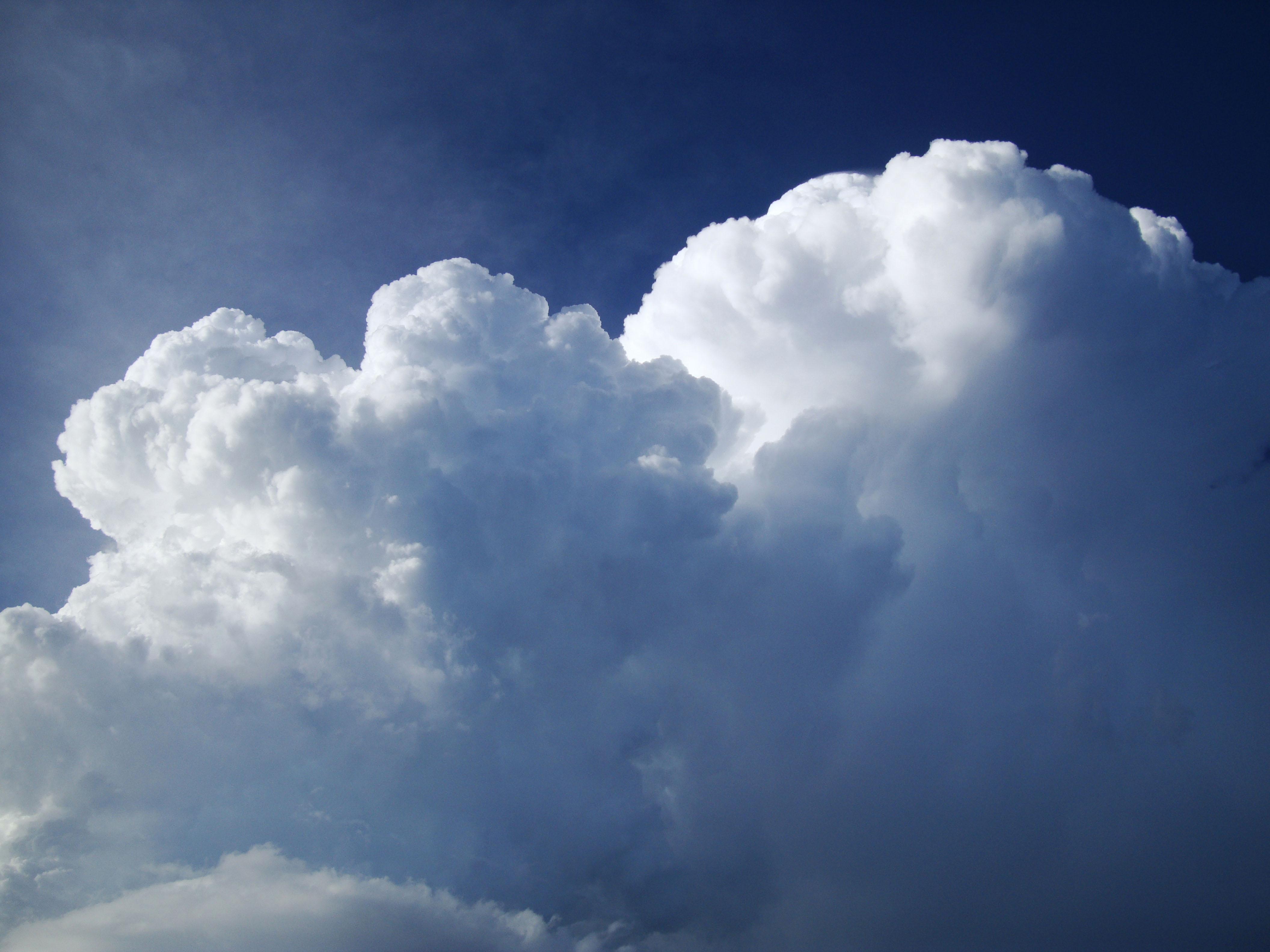 Cumulonimbus Clouds Formations Sky Storms Weather Phenomena 02