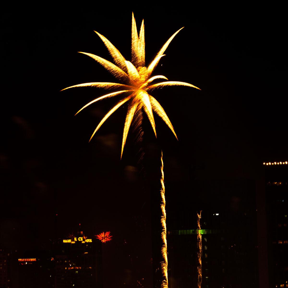 New Year 2011 Fireworks Makati Philippines 010