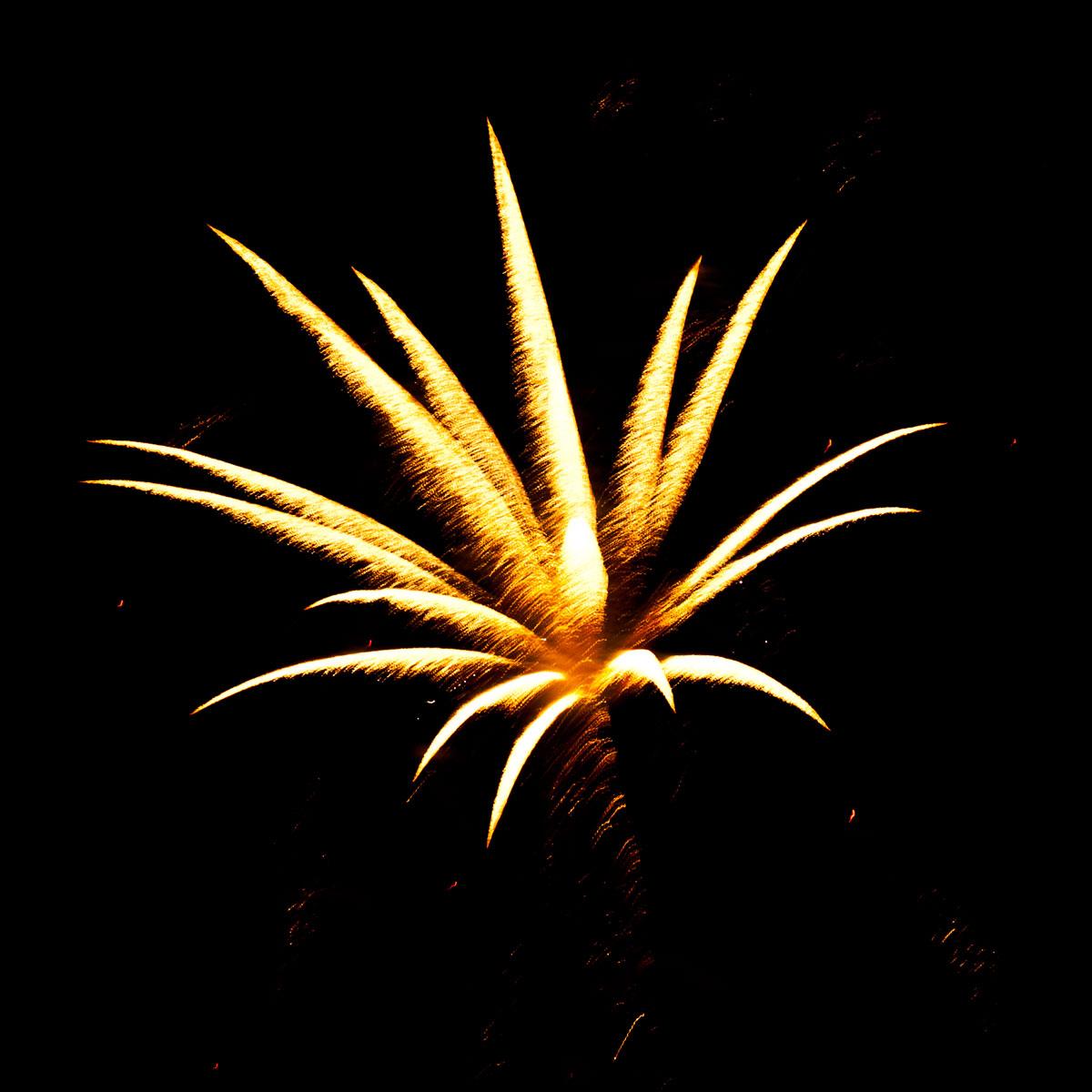 New Year 2011 Fireworks Makati Philippines 019