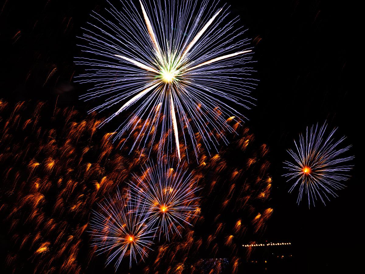 New Year 2011 Fireworks Makati Philippines 027
