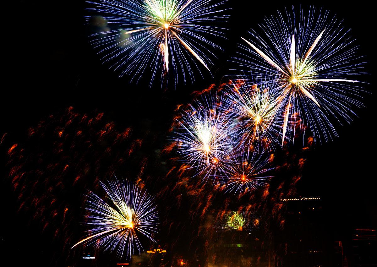 New Year 2011 Fireworks Makati Philippines 034