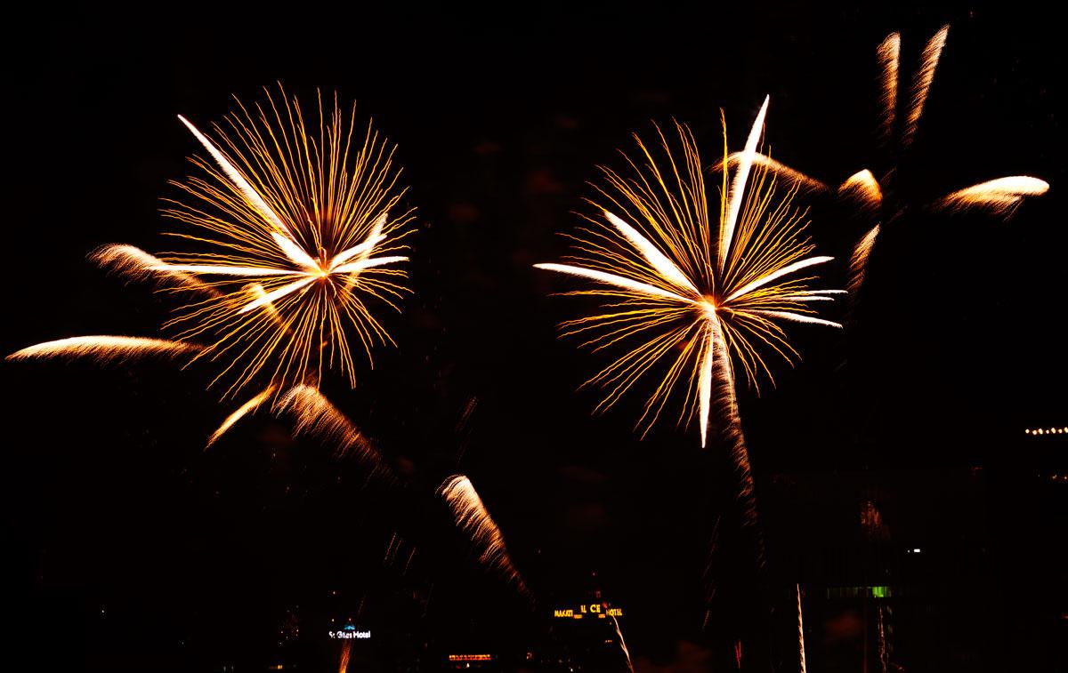 New Year 2011 Fireworks Makati Philippines 038