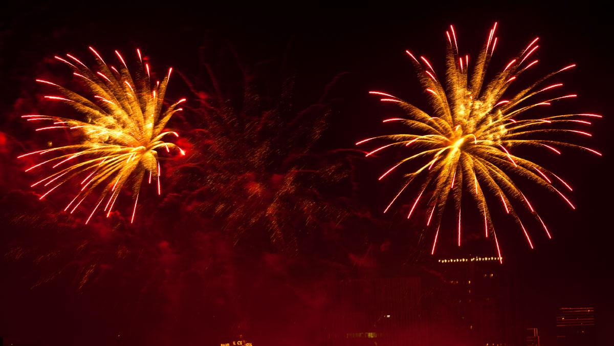 New Year 2011 Fireworks Makati Philippines 056