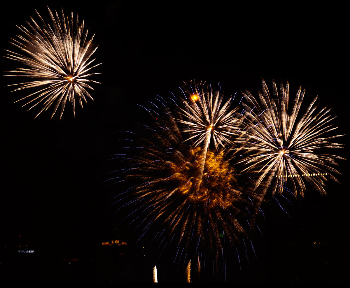 New Year 2011 Fireworks Makati Philippines 063