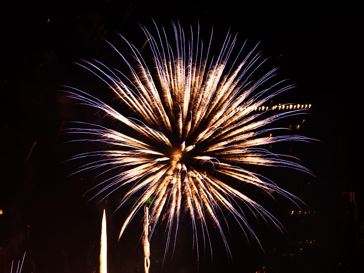 New Year 2011 Fireworks Makati Philippines 065