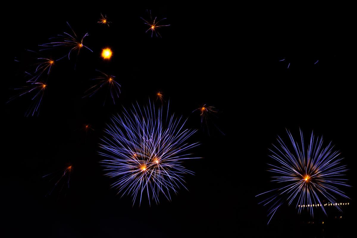 New Year 2011 Fireworks Makati Philippines 068