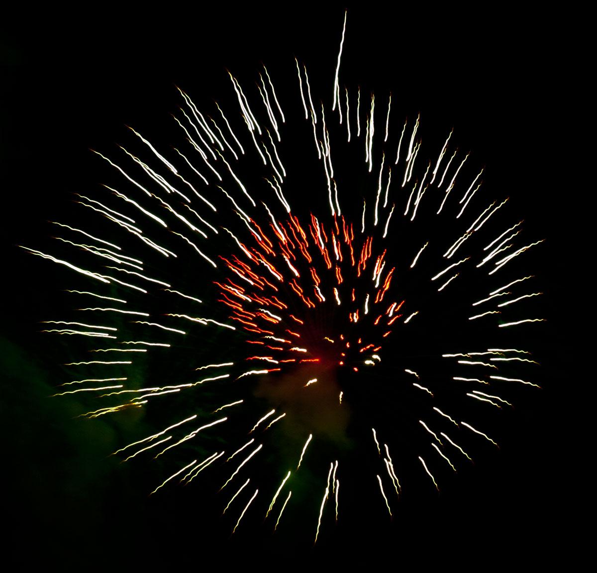New Year 2011 Fireworks Makati Philippines 079