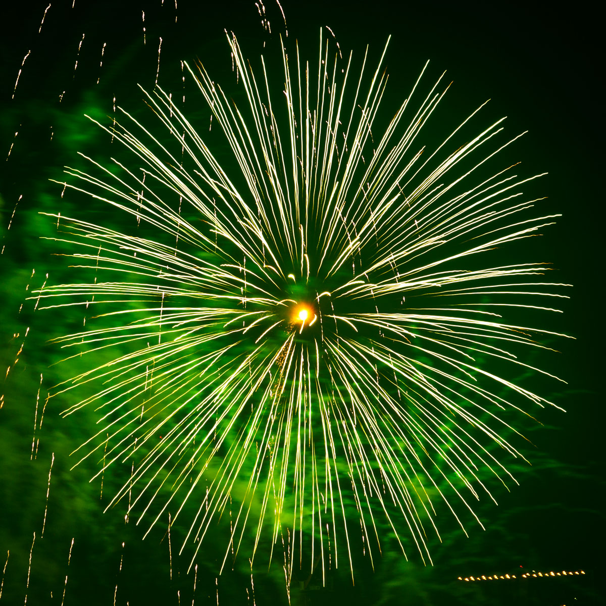 New Year 2011 Fireworks Makati Philippines 083