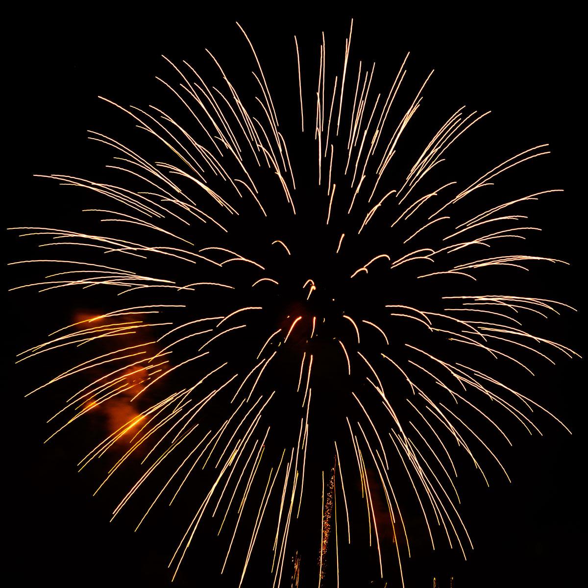 New Year 2011 Fireworks Makati Philippines 091