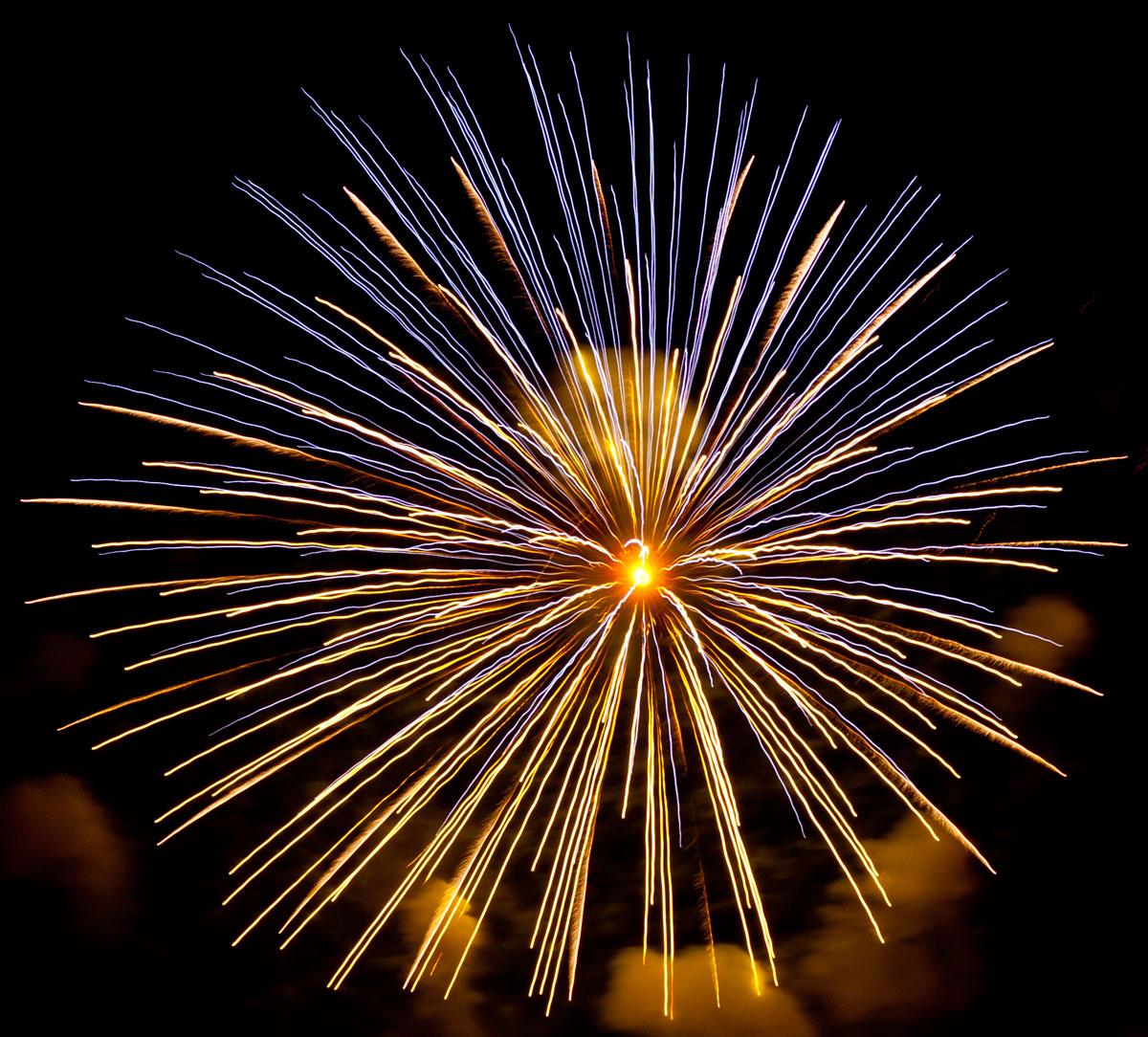 New Year 2011 Fireworks Makati Philippines 096