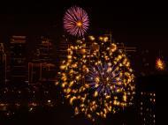 Asisbiz New Year 2011 Fireworks Makati Philippines 002