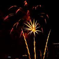 Asisbiz New Year 2011 Fireworks Makati Philippines 020
