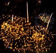 Asisbiz New Year 2011 Fireworks Makati Philippines 033