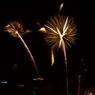 Asisbiz New Year 2011 Fireworks Makati Philippines 039