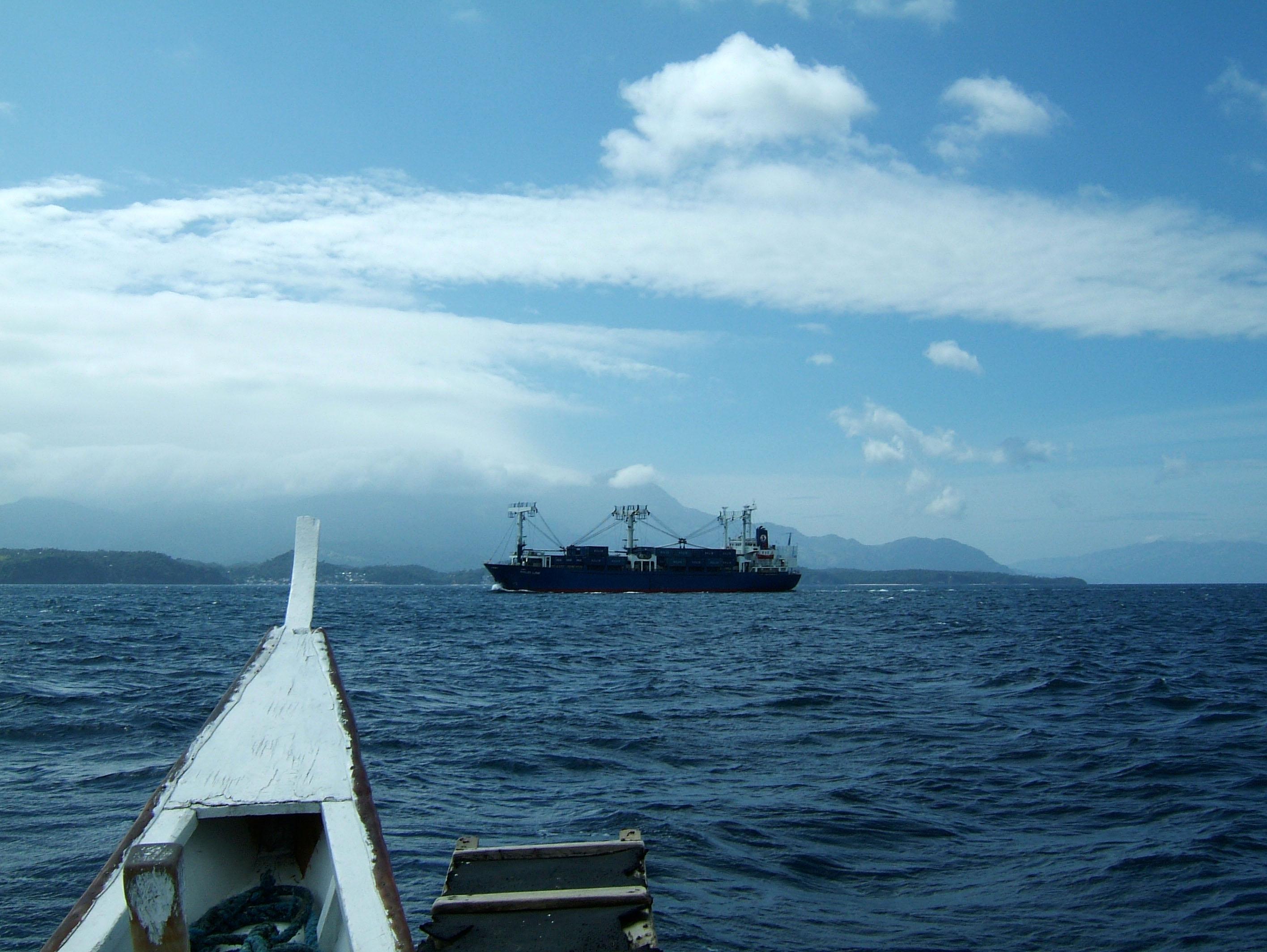MS Solid Link via Verde Island passage 01